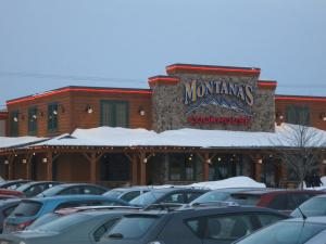 at Montanas for dinner