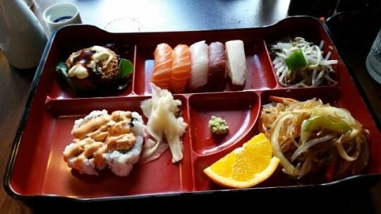 lunce at Ta-ke sushi